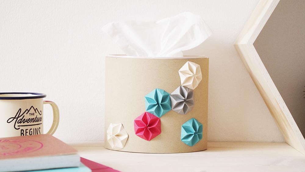 {DIY-&-VIDÉO}-Ma-boite-à-mouchoir-en-Kraft-et-Origami
